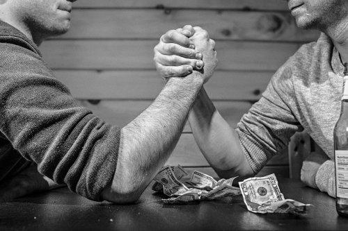 arm-wrestling-567950_1280